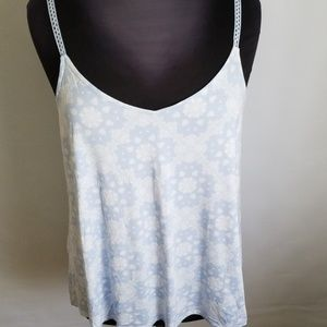 Torrid  Cami Blue and White  print. SIZE 2 NWT